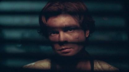 Alden Ehrenreich spielt den jungen Han Solo.