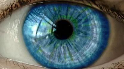 Googles Deep-Learning-Algorithmus bestimmt das Alter durch Augenscans.