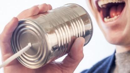 Ins Telefon reden, um Captchas zu lösen - das könnte bald Alltag werden.