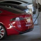 Elektroautos: Tesla stellt kostenlose Ladestationen für Firmenparkplätze