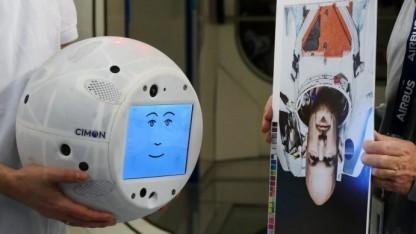 IBMs Watson steckt im passenden Gehäuse mit Gesicht.