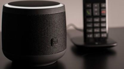 Magenta Speaker läuft mit drei digitalen Assistenten.