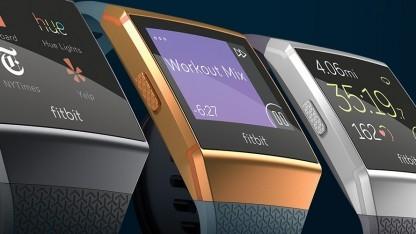 Die Fitbit Ionic bietet ein relativ großes Display mit kräftigen Farben.