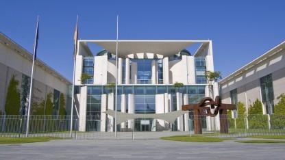 Bundeskanzleramt (Symbolbild): Von einem Angriff auf das Kommunikationsnetzwerk des Bundes sind das Auswärtige Amt und das Verteidigungsministerium besonders betroffen.