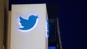 Twitter-Logo am Firmenhauptquartier in San Francisco.