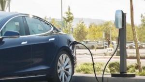 Tesla-Ladestation