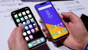 Apples iPhone X und Asus' Zenfone 5Z.