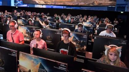 Besucher auf der Gamescom 2017