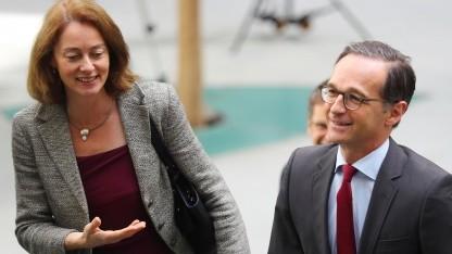 Der bisherige Bundesjustizminister Heiko Maas und seine designierte Nachfolgerin Katarina Barley (beide SPD)