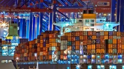 Alle Serverdienste für ein Spiel werden in einen virtuellen Container gepackt.