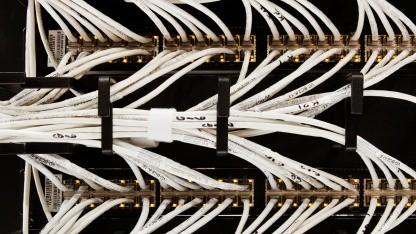 Hier laufen Quic-Pakete durch: Ethernet-Kabel in einem Rechenzentrum von Google.