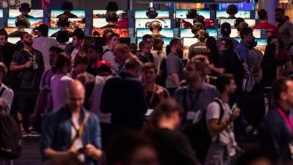 Besucher auf der Gamescom 2017 (wohl nicht ganz eine Milliarde).