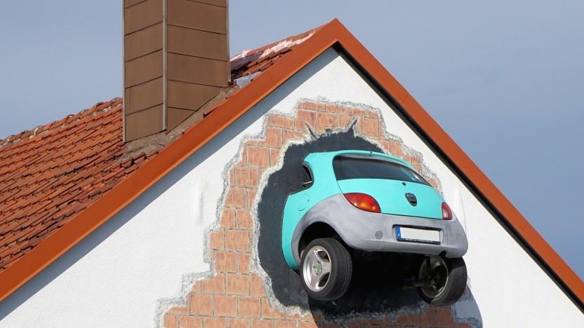 Bei Unfällen soll eCall automatisch den Notruf wählen.
