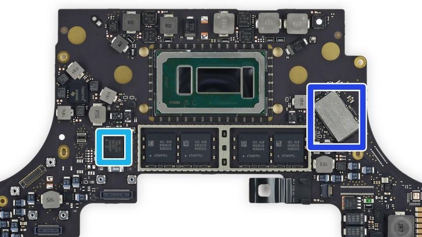 Intel-Prozessor (Grün) auf einer Macbook-Pro-Platine