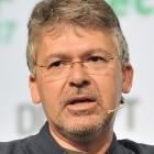 Siri vs. Google Assistant: Apple schnappt sich Googles KI-Chefentwickler