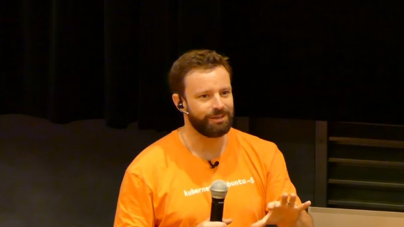 Dustin Kirkland auf der Ubucon 2017 in Paris