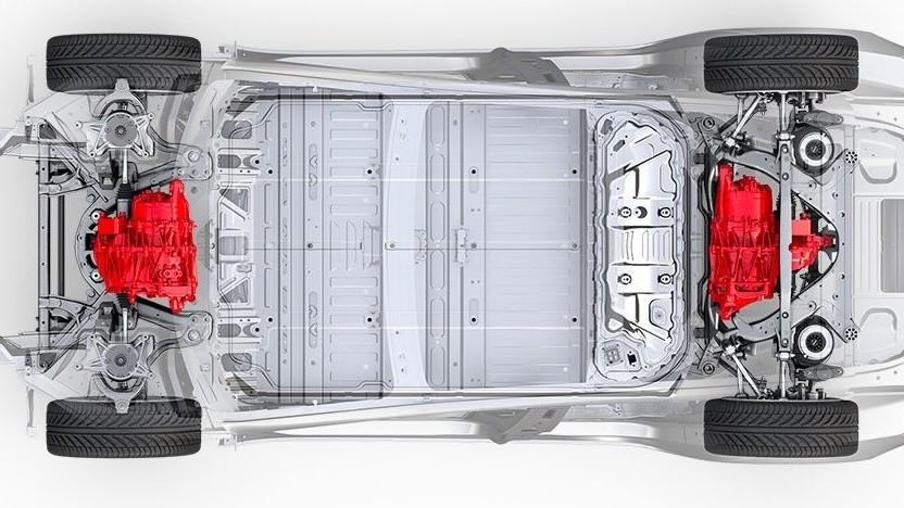 Model 3 mit Allradantrieb und zwei Motoren