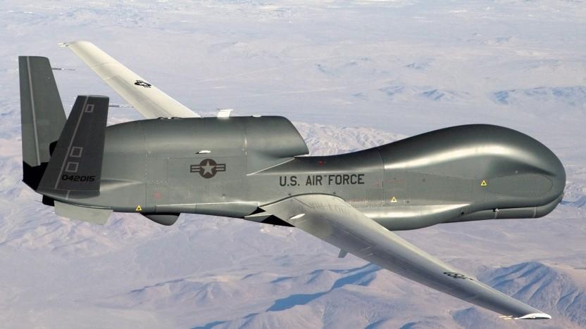 Die RQ-4 Global Hawk ist eine Aufklärungsdrohne der US Air Force.