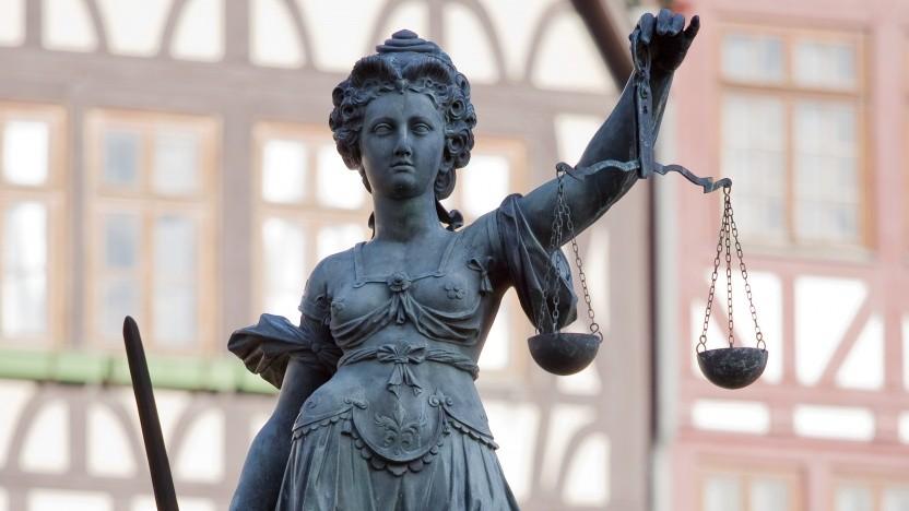 Der elektronische Rechtsverkehr und das besondere elektronische Anwaltspostfach sorgen für viel Aufruhr in der deutschen Justitz. Jetzt musste auch noch das bundesweite Rechtsanwaltsregister abgeschaltet werden.