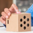 Google AIY Vision und Voice: Tensorflow-KI und Raspberry Pi im Pappwürfel