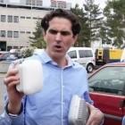 Bonn: Telekom legt die Glasfaser am Laternenmast hinauf