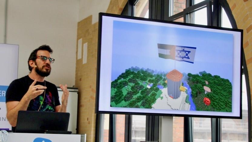 Tsahi Liberman hat sich auf der Quo Vadis 2018 in Berlin mit Spielen und Politik beschäftigt.