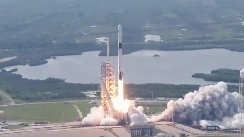 Der erste Flug der endgültigen Version einer Falcon-9-Rakete.