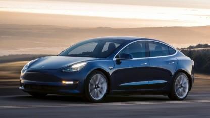 Tesla Model 3: sechs Meter kürzerer Bremsweg