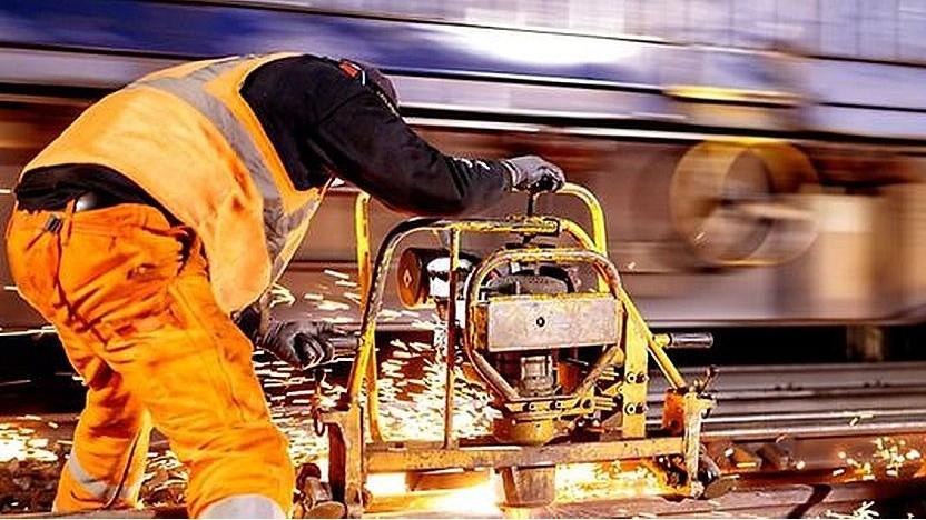 Bahnbeschäftigter: Alle erhalten ein mobiles Endgerät.
