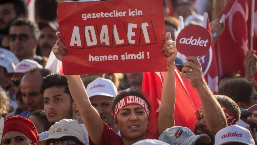 """Mitglieder des Protestmarsches forderten """"Gerechtigkeit"""""""