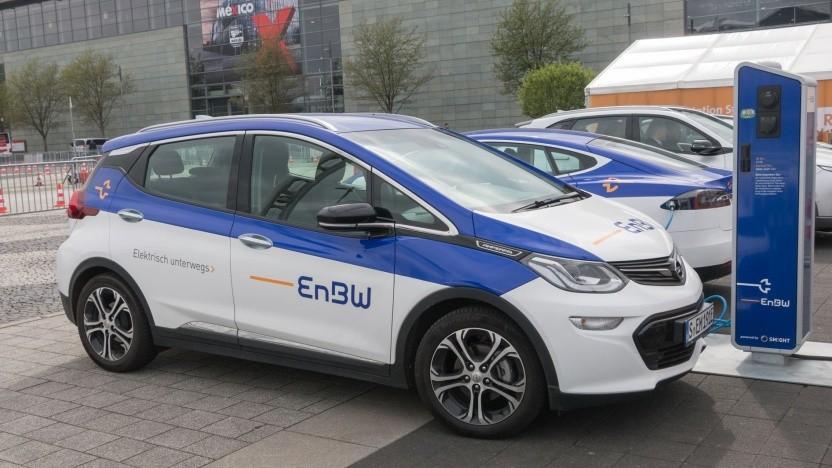 Opel Ampera-E an EnBW-Ladesäule (auf der Hannover Messe 2018): Die beste Säule steht in Sindelfingen.