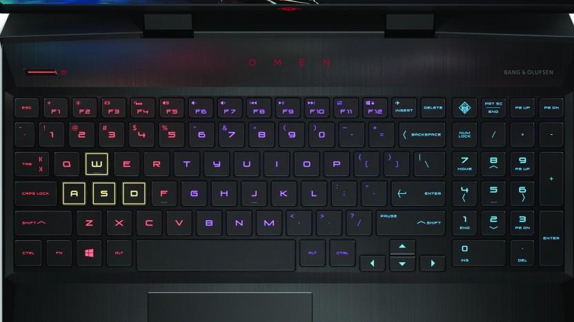 Die Tastatur des Omen 15 ist beleuchtet.