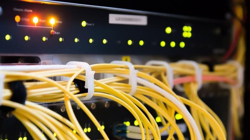 DNS über HTTPS verbindet Clients und Server sicher und authentifiziert.