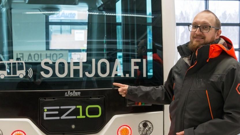 Oscar Nissin mit autononem Bus EZ10:Vergessen festzulegen, dass ein Fahrer im Auto sein und dass ein Auto ein Lenkrad haben muss