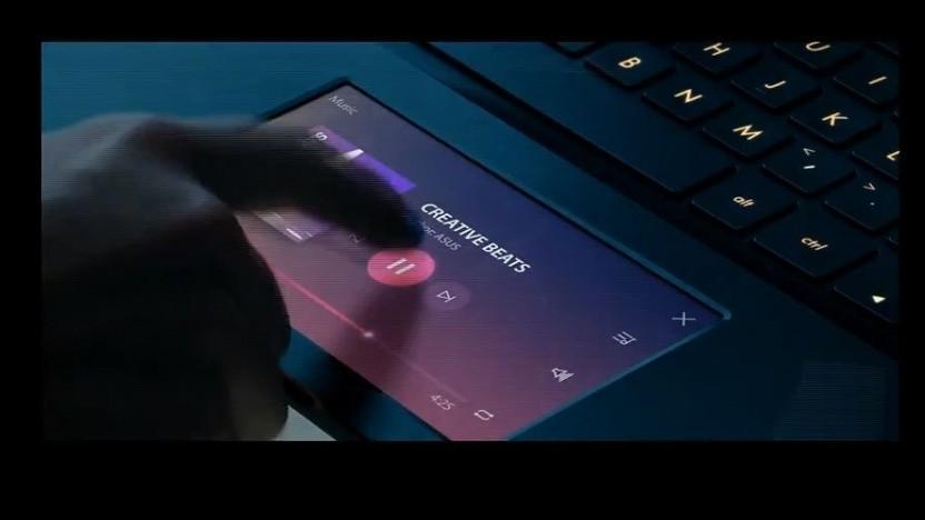 Asus nutzt die Fläche des Touchpads als Bildschirm.
