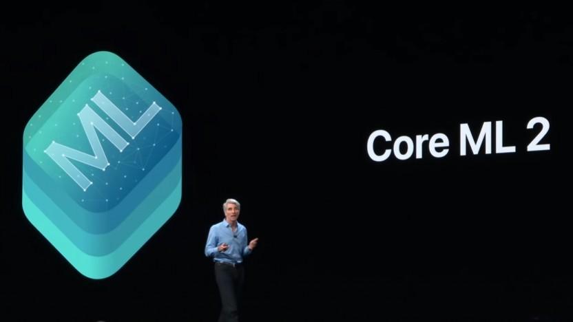 Craig Federighi stellt die Neuerungen von MacOS Mojave vor, darunter auch Core ML 2.