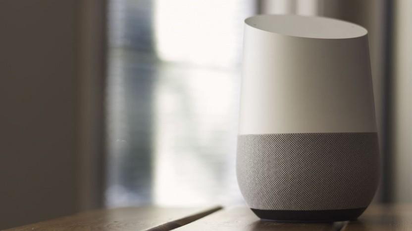 Der Lautsprecher Google Home verrät, wo man sich gerade befindet - und das jedem, der fragt.