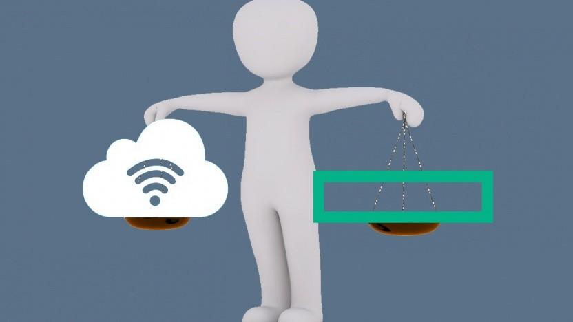 HPEs Software wägt zwischen Private und Public Cloud ab.