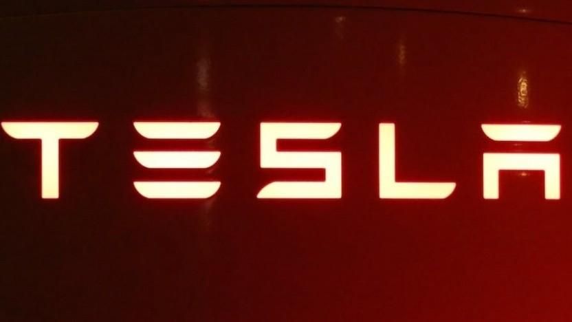 Tesla streitet sich öffentlich mit Ex-Mitarbeiter.