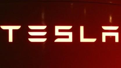 Tesla geht wohl langsam das Geld aus.