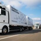 Platooning: Vernetzte Lkw dicht gedrängt auf der A9