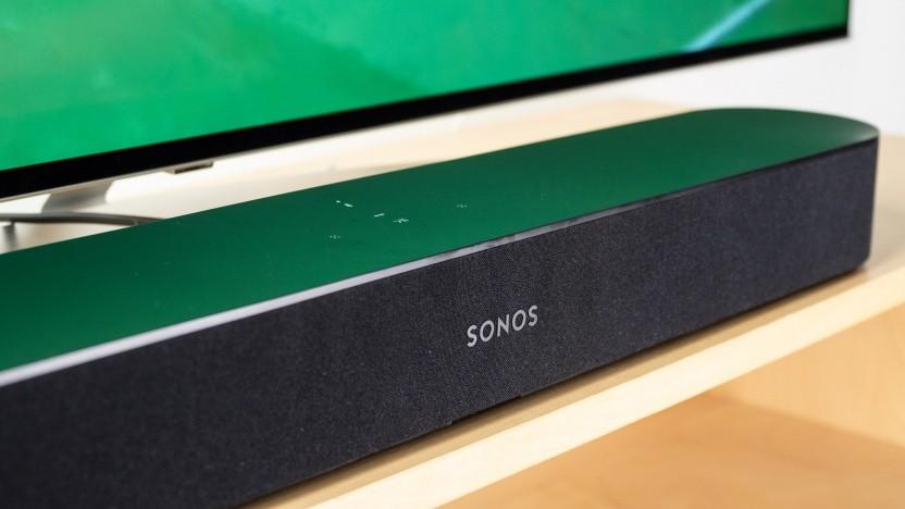 Die Sonos Beam arbeitet als smarte Soundbar mit Amazons Alexa.