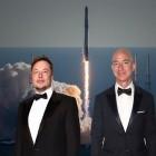 Musk vs. Bezos: Das Duell der Raketenbauer