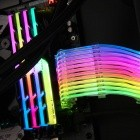 Lian Li Strimer: Endlich gibt es ein RGB-beleuchtetes ATX-Kabel