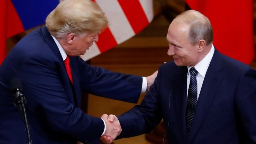 Handshake unter Mächtigen: Donald Trump (l.) und Wladimir Putin