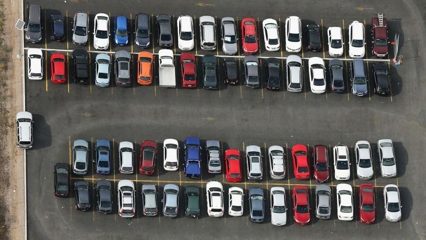 Kein Parkplatz frei: Eine App soll Autofahrer zu freien Plätzen leiten.