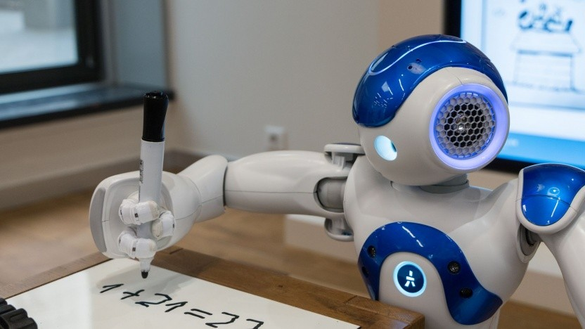 Aldebarans Roboter Nao läuft mit ROS - Secure Robot Operating System (SROS) ist in Planung.