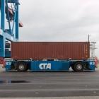 Hamburger Hafen: Automatisierte Containertransporter werden elektrisch