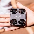 Kameradrohne im Taschenformat: Airselfie 2 ist kaum größer als ein Smartphone