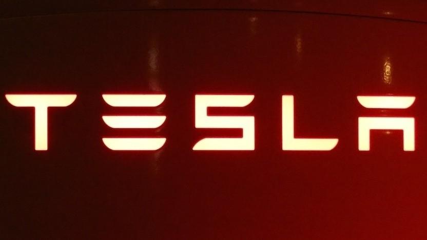 Tesla will seine Autosicherheitssoftware anderen Herstellern öffnen.